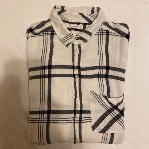 AE Black & White Plaid Button Up